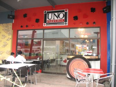 Uno Pizzeria