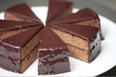 Sacher torte, an Austrian specialty, consists of two layers of ...